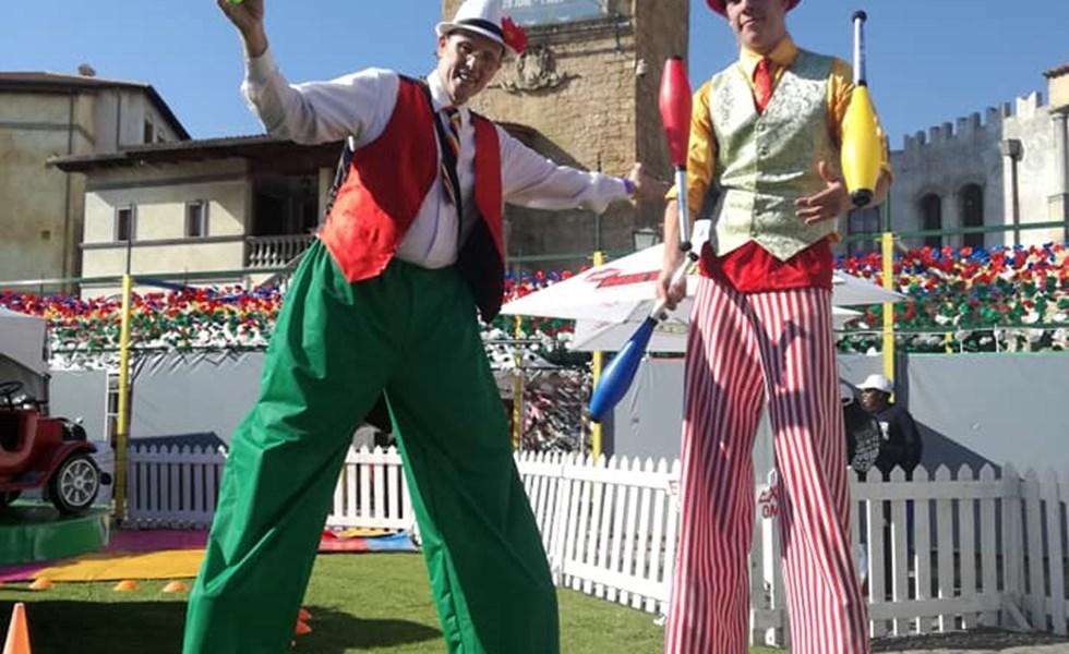 Clown stilts
